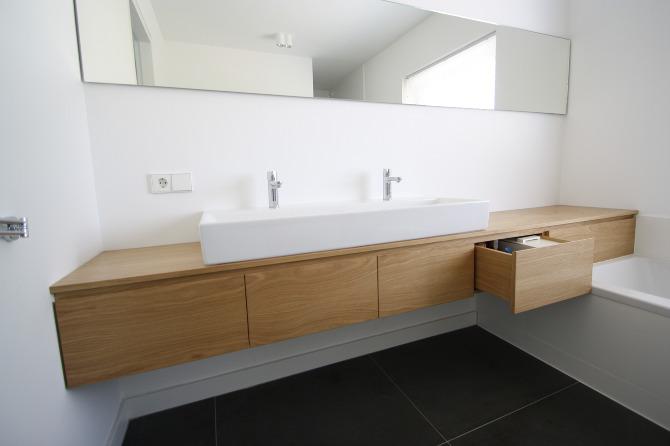 Houten planken voor in een nis - Badkamer badkamer meubels ...